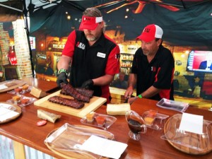 Memphis in May Jonesy-Q and Alan Geren plating ribs for the Memphis in May judges